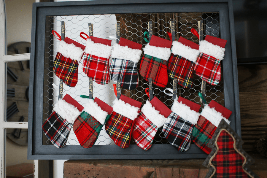 Rustic buffalo plaid christmas mantle 1