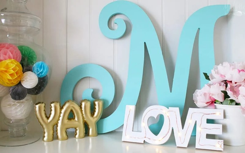 DIY Tabletop LOVE Sign – Dollar Tree Craft