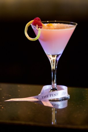 the-peninsula-chicago-pretty-in-pink-cocktail-2