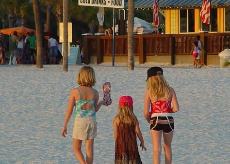 Girls_on_beach