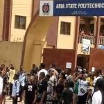 [VIDEO] Police Fire Shots At Students Protesting Against Alleged Rape Of Abia State Polytechnic Student By Policemen