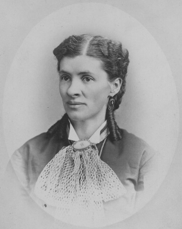 Photo of Emma Barrett Molloy