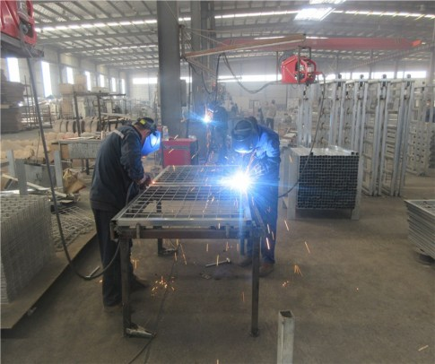 How we make fences in our factory.