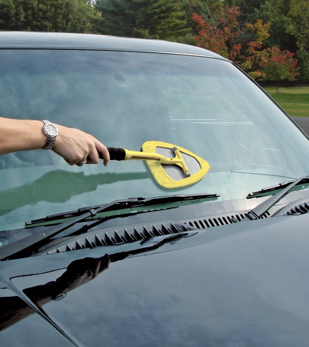 Invisible Glass: #1-Selling Automotive Glass Cleaner! {REVIEW}