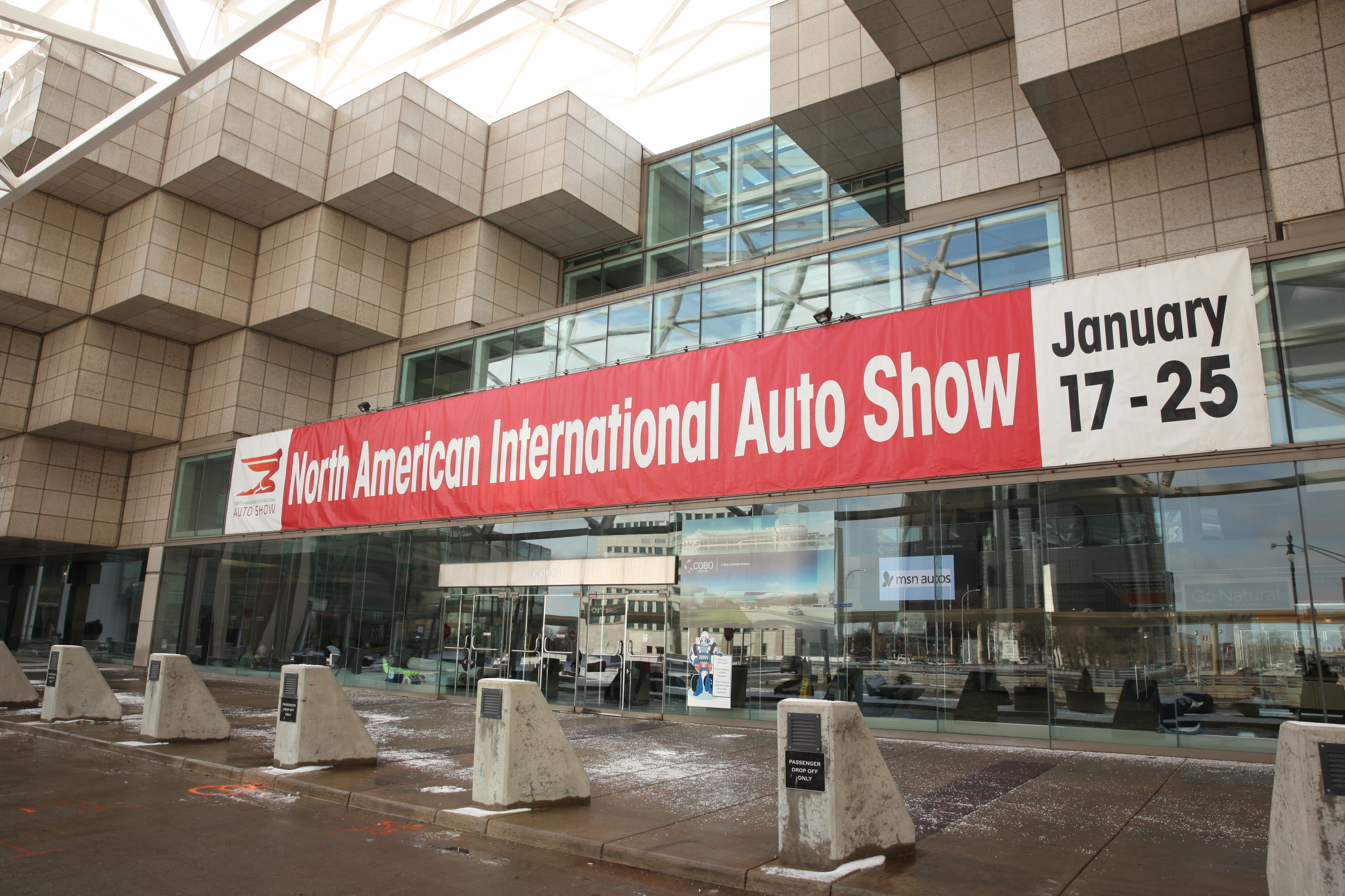 LEGOLAND® DISCOVERY CENTER MICHIGAN  to Unveil GMRENCEN LEGO Model at North American International Auto Show