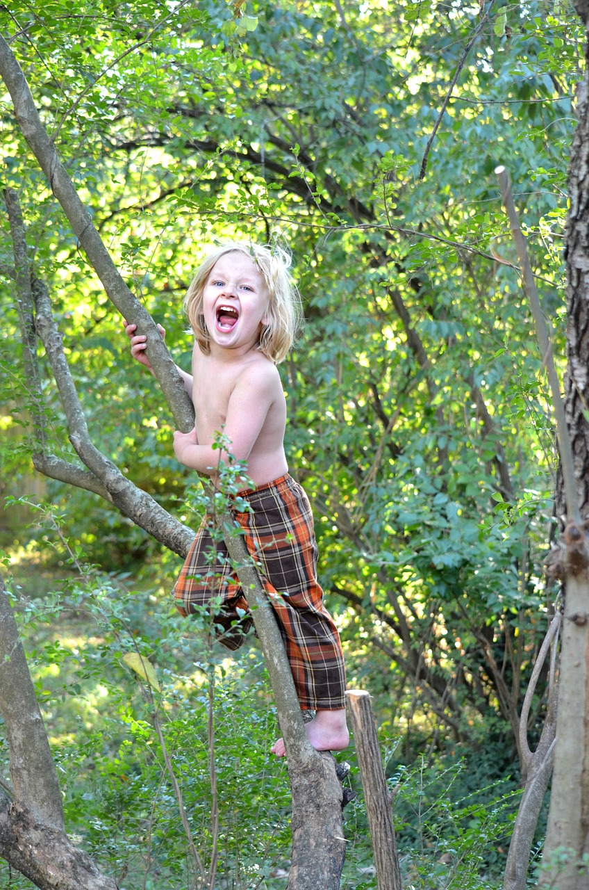 Enjoy Spring With Your Child: #Tips on Getting Your Family Outside & Active