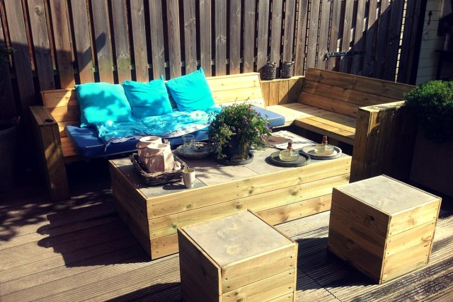 Combine relaxation area with storage