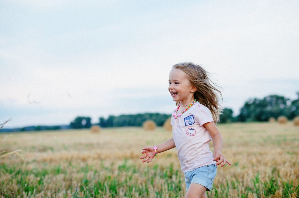 Getting Outside! 4 Activities to Encourage Your Kids to Enjoy the Outdoors this Summer {Guest Post}