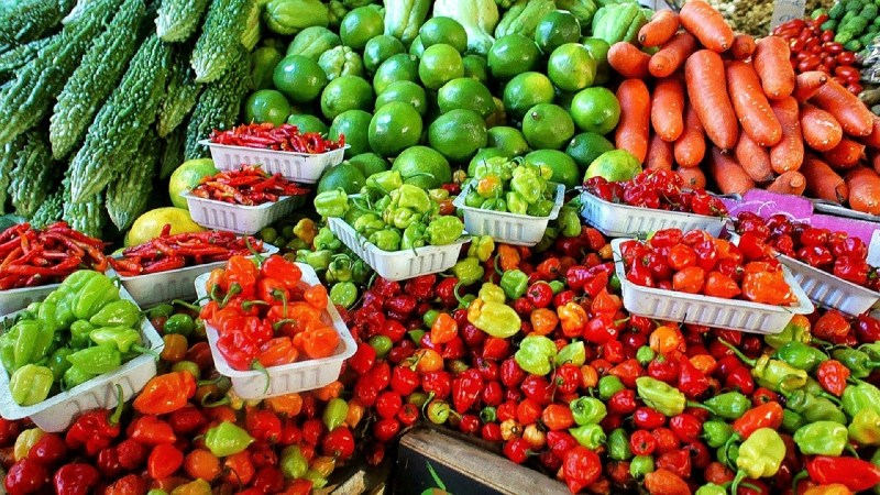 Tips to Make the Most of Farmers Markets by Grace Derocha