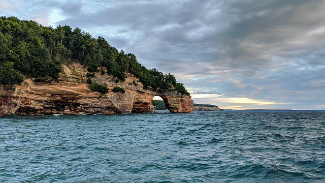 7 Amazing Places to Explore in Michigan
