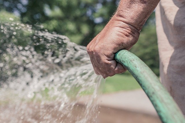 Why the Right Garden Hose Reel Matters