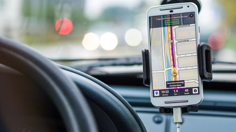 Useful Apps To Keep You Safe In The Car