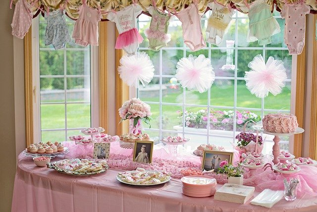 Throwing a Surprise Baby Shower – Here's How!