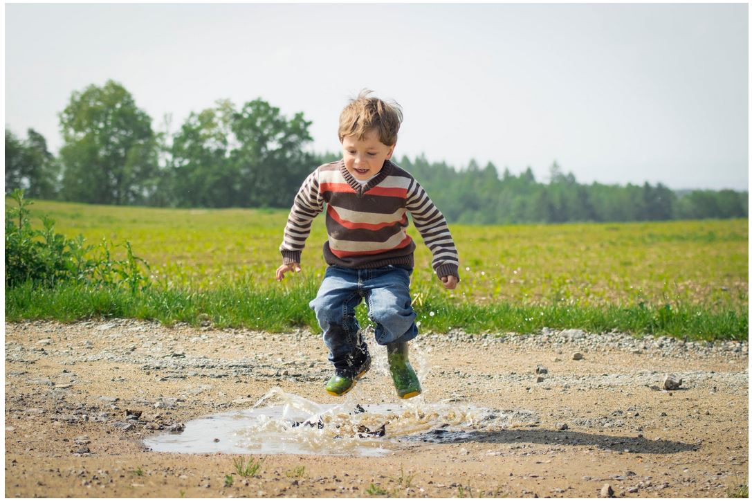 Setting Boundaries: How to Keep Kids Safe When Playing in the Yard