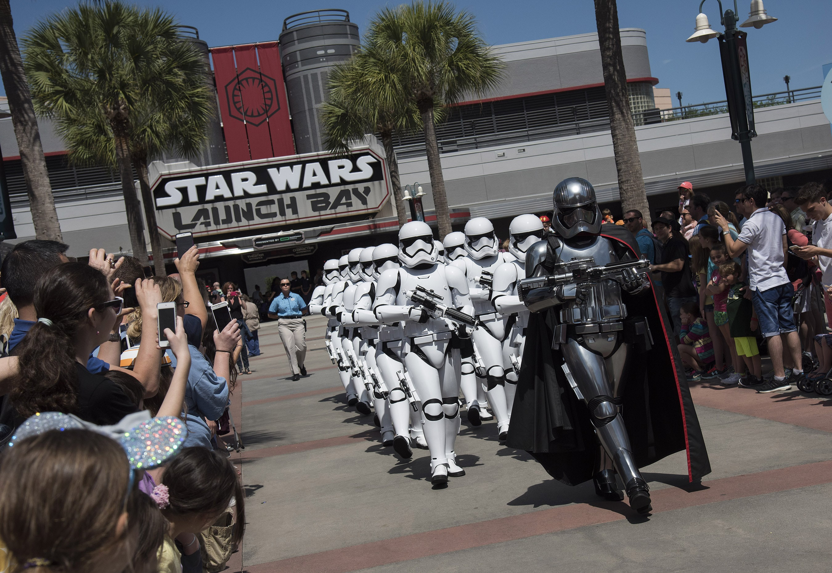 A Disney Star Wars Itinerary For Your Day At Hollywood