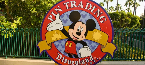 disney pin trading disneyland