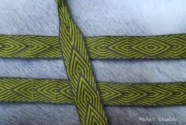 Motif diagonal laine teintée gaude