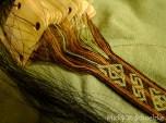 Motif de Hallstatt (Age du fer), laine teintée végétal et crin de cheval en trame.