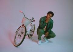 "Seatle Artist DAVE B Releases New Album ""BLEU"""