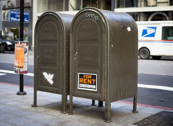 Sarcastic 'For Rent' Signs Mock San Francisco's Outrageous Housing Prices