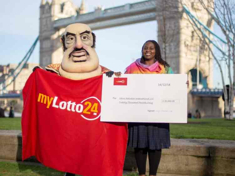 Moud presented with cheque