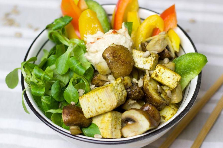 salata tofu ardei