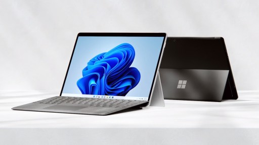 Surface Pro 8 mit Type Cover
