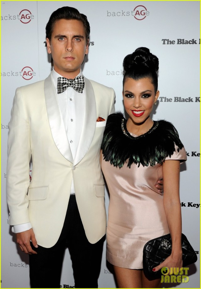 kourtney-kardashian-split-with-scott-disick-for-her-kids-13
