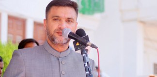 Telugu news Akbaruddin owaisi won the first result in Telangana