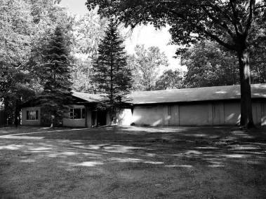Clubhouse BW