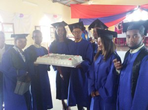 2019 LIME Graduates with cake