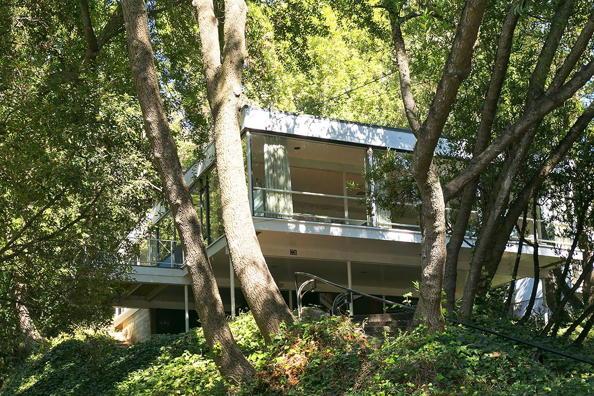 The Olsen Residence: Bauhaus With A Twist