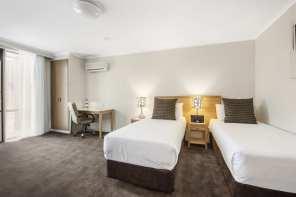 Mid_City_Premium_Twin_Room_640_426