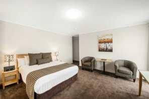 Sml_Mid_City_Queen_Room3_640_426