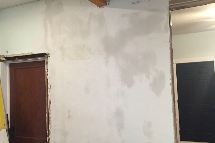 Plaster, Mud, Repeat: Finishing the Ceiling and Walls