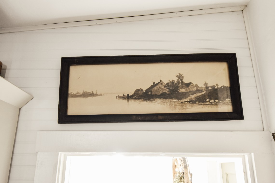 Where to Find Neutral Vintage Art