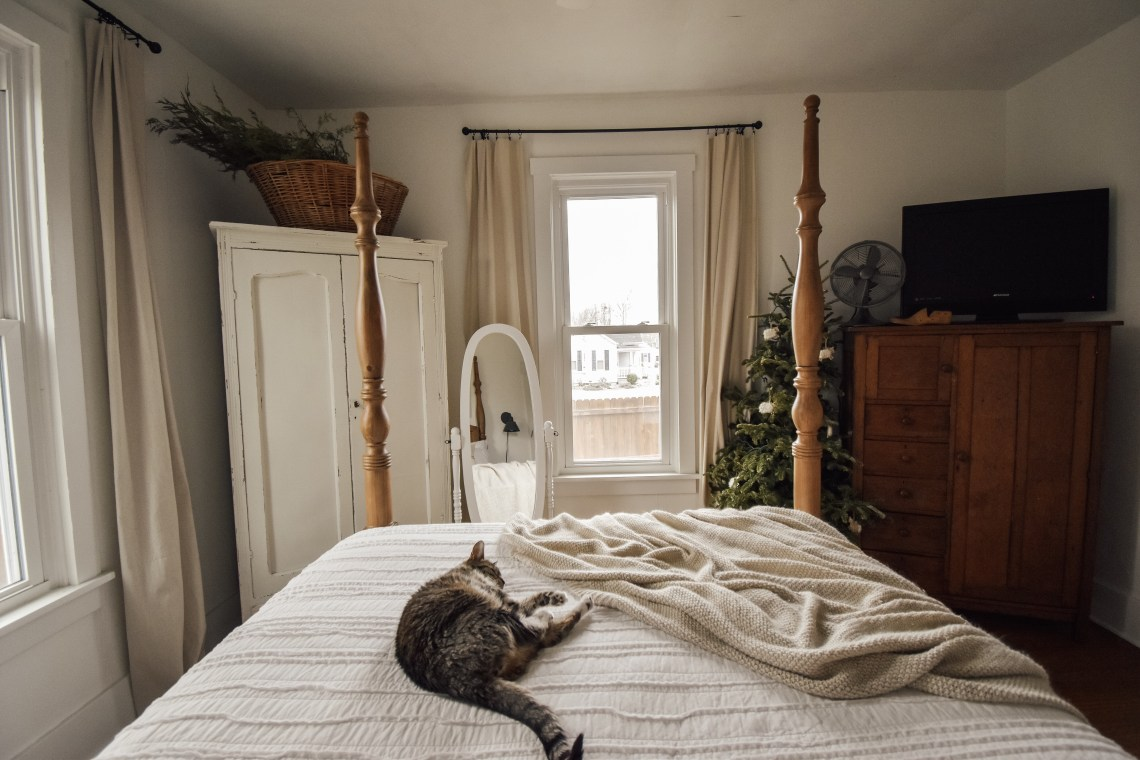 Decorating After Christmas: A Winter Farmhouse Bedroom
