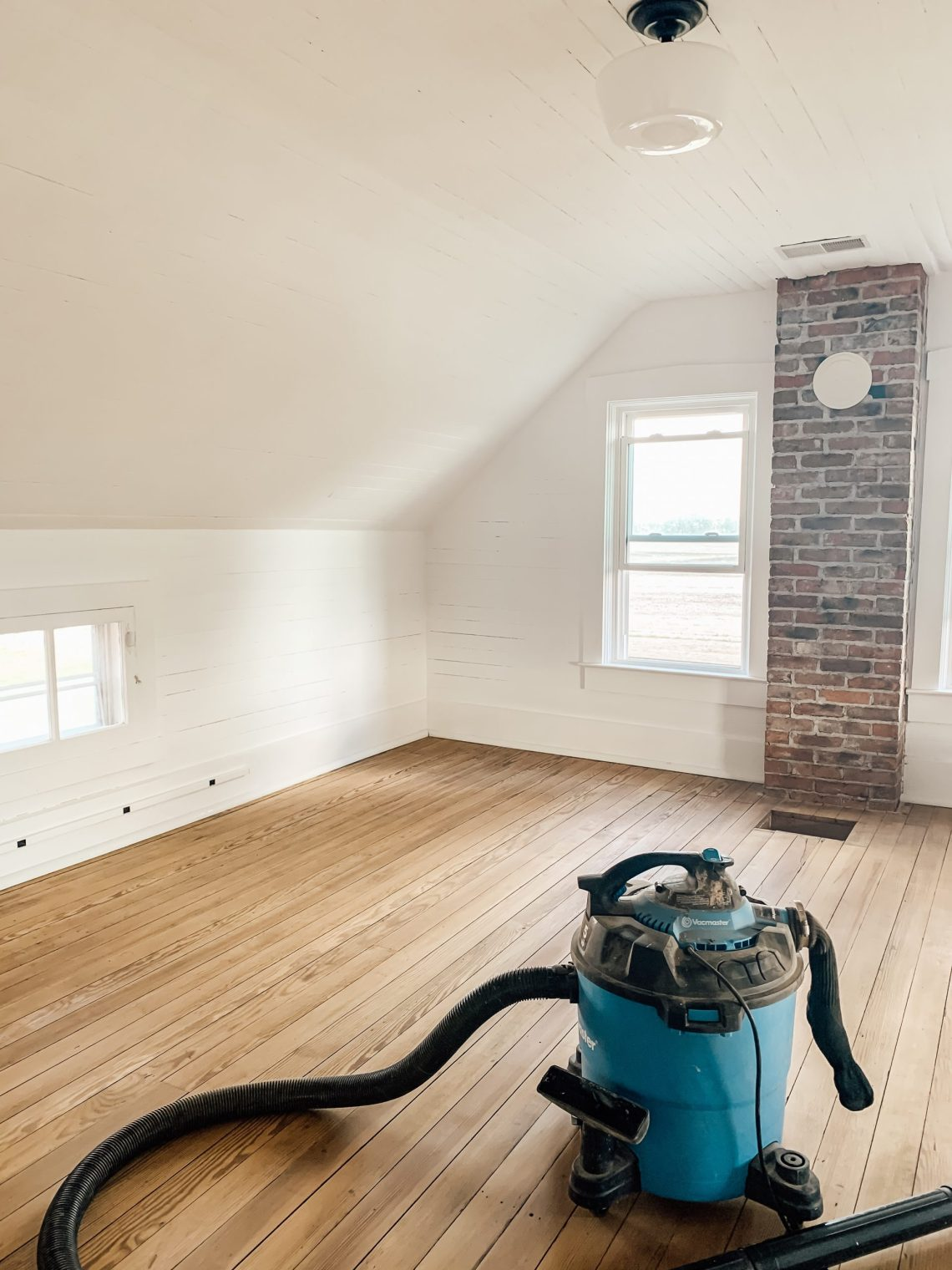 How to Fill Gaps Between Floor and Wall Trim
