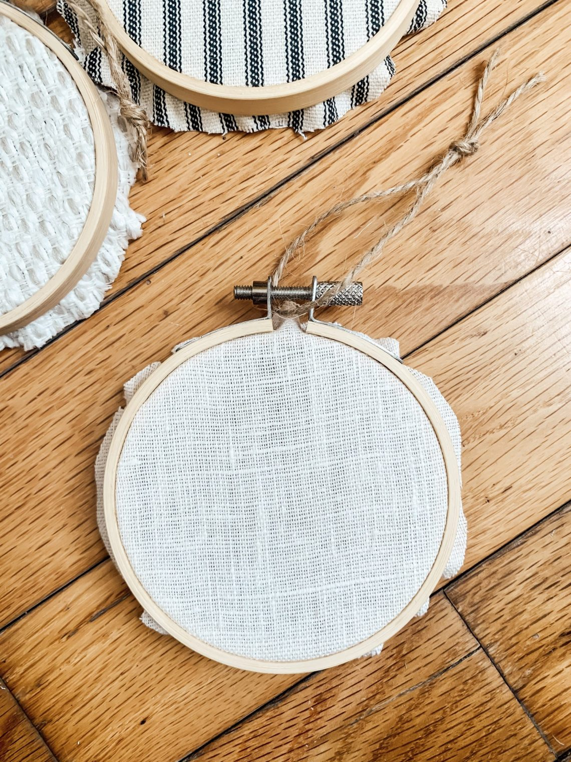 Easy Handmade Embroidery Hoop Ornaments