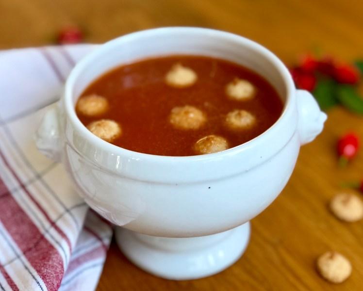 Hemlagad nyponsoppa mandelbiskvier recept