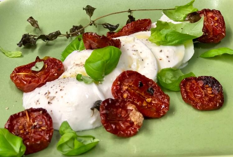 Mozzarella med ugnsbakade tomater