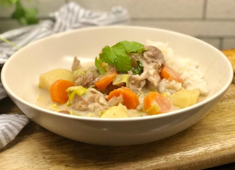 Recept lantlig kycklinggryta purjolök morot potatis mild