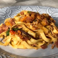 Färsk pasta med tryffelsalami