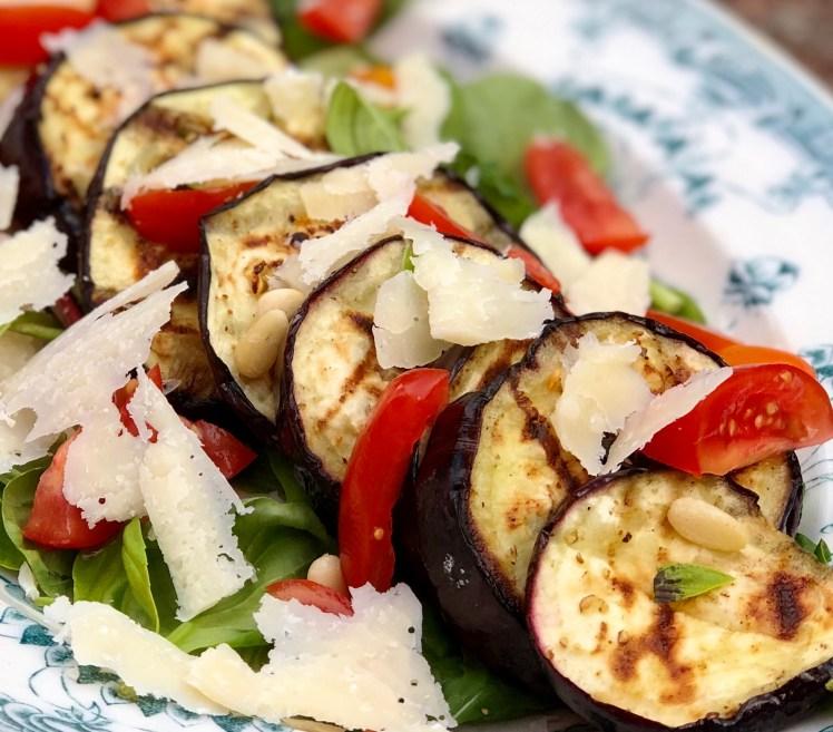 Recept grillad aubergine sallad tillbehör till grillat