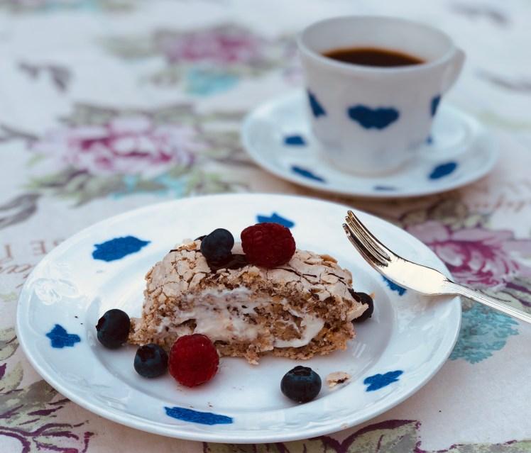 Recept Budapestrulle budapeststubbe budapestbakelse hallon blåbär