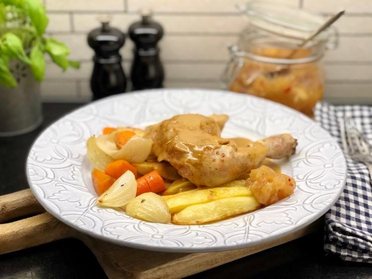 Ugnsstekt kyckling med lök och morötter recept