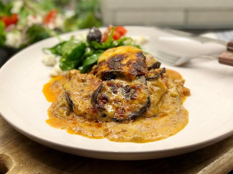 Recept klassisk grekisk moussaka med lammfärs och aubergine