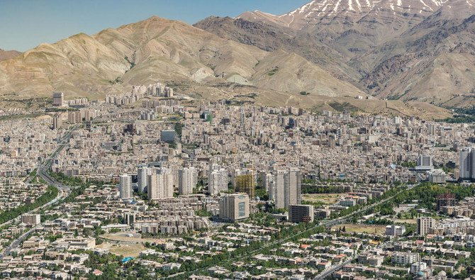 The earthquake was felt in the town of Sisakht, 700 kilometers south of Tehran (Shutterstock)