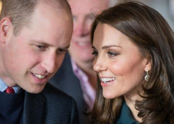 Britain's Prince William, Duke of Cambridge (L) and Britain's Catherine, Duchess of Cambridge (R) talk as they visit The Fire Station, an iconic building recently converted into a music and arts hub, in Sunderland, northeast England. (File photo: AFP)