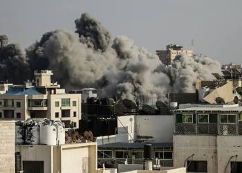 smoke from the explosion of an Israeli strike rise over Gaza city / (Social Network )